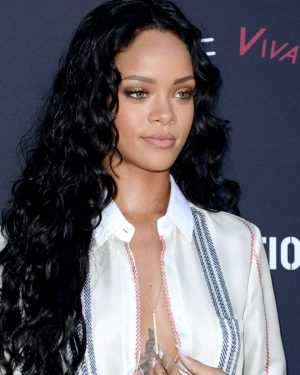 Rihanna - Loose Wavy - Celebrity Custom Lace Wig