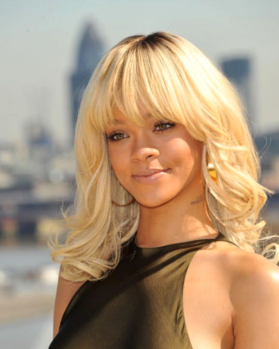 Rihanna- Blonde TToned w/Bang - Custom Celebrity Lace Wig